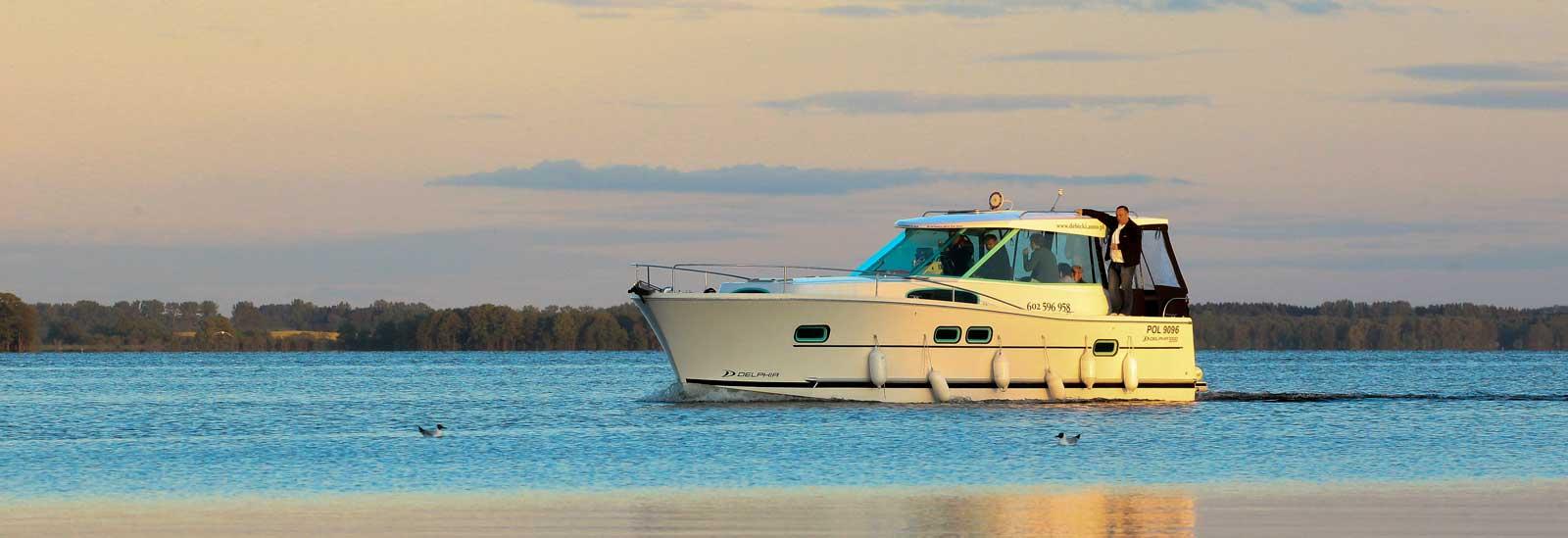 Nautika 1000 Jacht Motorowy Bez Patentu Na Mazurach W