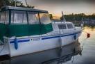 Czarter jachtu motorowego motorówka
